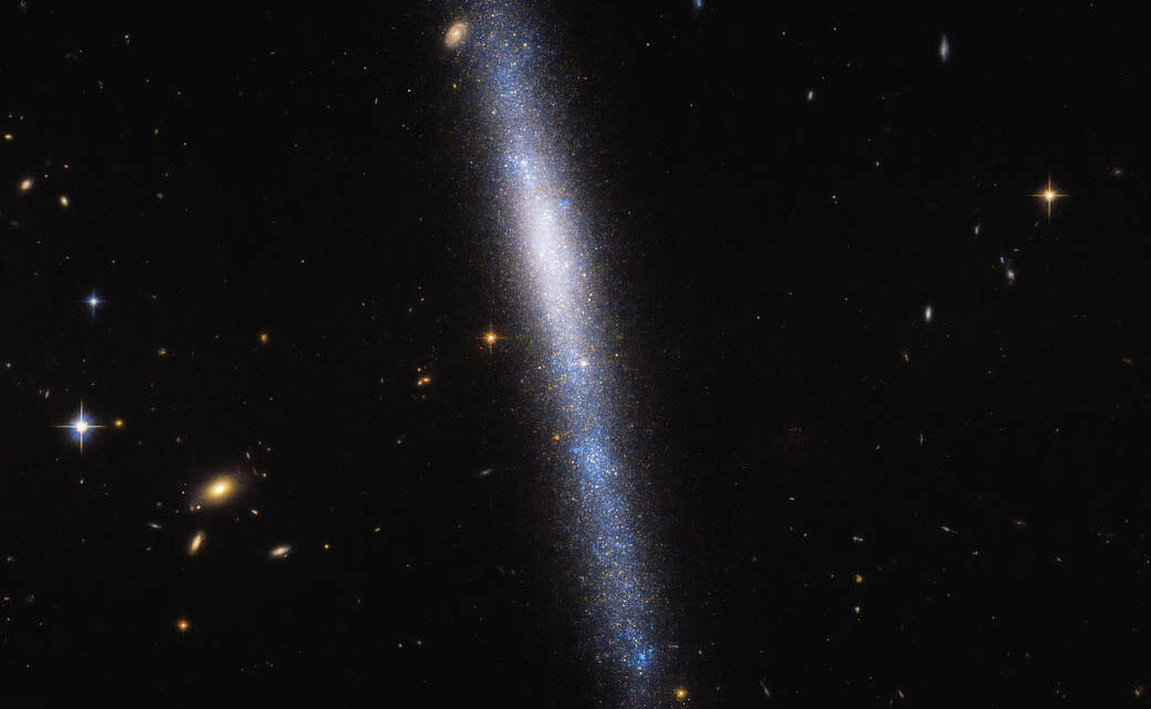 Hubble capture une cascade cosmique